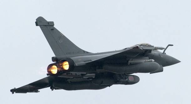 Έπεσε πολεμικό αεροσκάφος Mirage 2000, σώος ο πιλότος