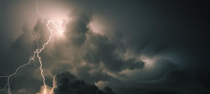 Νωφώσεις με βροχές και καταιγίδες στα δυτική ηπειρωτικά και το Ιόνιο
