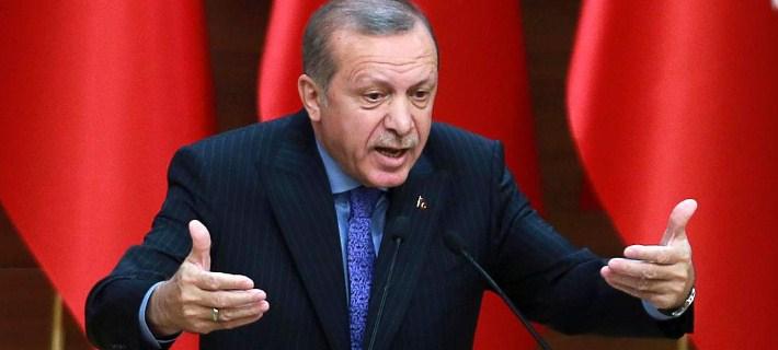 Ερντογάν: Θα μποϊκοτάρουμε αμερικανικά ηλεκτρονικά αγαθά – Αν αυτοί έχουν iPhones, υπάρχουν τα Samsung