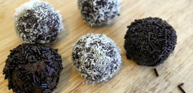 Τρουφάκια σοκολάτας με αβοκάντο